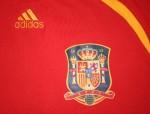 Адидас продаде 1 200 000 червени тениски